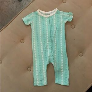 sweet bamboo One Pieces - Sweet Bamboo - Short Sleeve Onesie 0-3